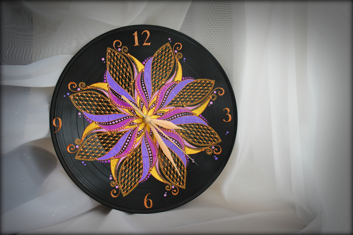 часы - Цвет Сирени1 (700x466, 400Kb)