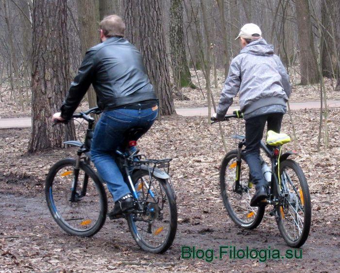 Катание на велосипедах в Покровском-Стрешневе (700x562, 103Kb)