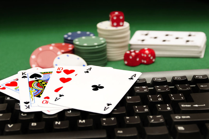 3059790_online_poker (700x465, 80Kb)
