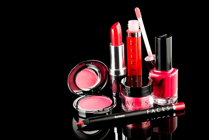 Cosmetics (700x467, 169Kb)