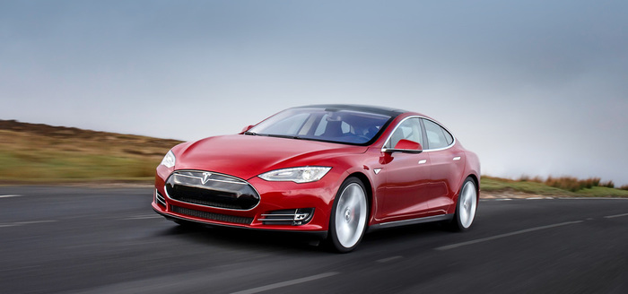 Tesla Model S (700x328, 57Kb)