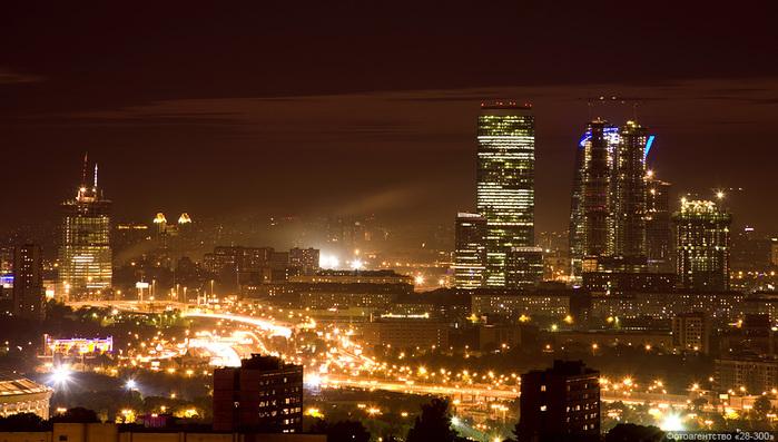Фото ночной Москвы/3241858_13 (700x397, 144Kb)