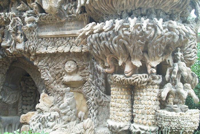 Барельефы Идеального дворца Шеваля (700x469, 191Kb)