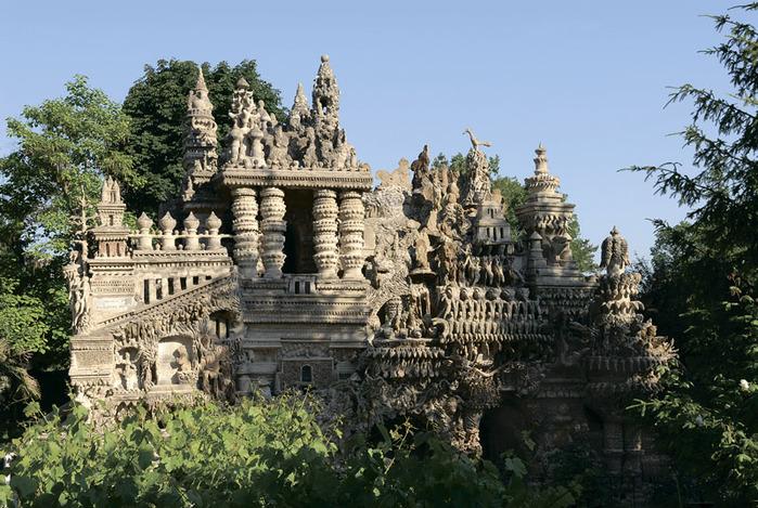 Идеальный дворец Шеваля3 (700x469, 171Kb)