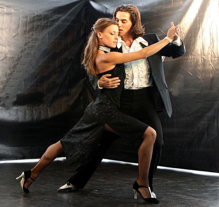 как выучить танец для интимного вечера