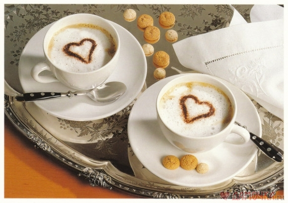 Кусочек любви в кофейной чашке.