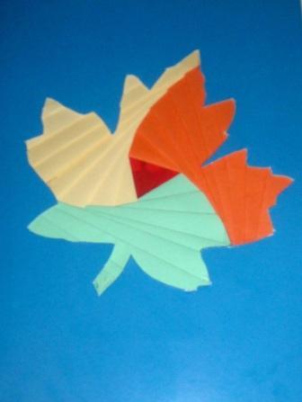 Мы с Владушкой потихоньку готовимся к Дню учителя.  Делаем разные открыточки.  Мы даже сделали мастер-класс в фотках.