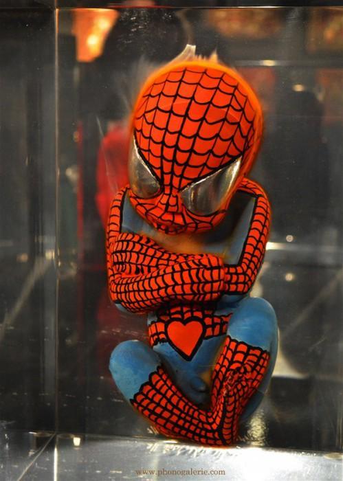 1317051116_12483218_Alexandre_Nicolas_superhero_fetuses_spiderman (499x700, 89Kb)