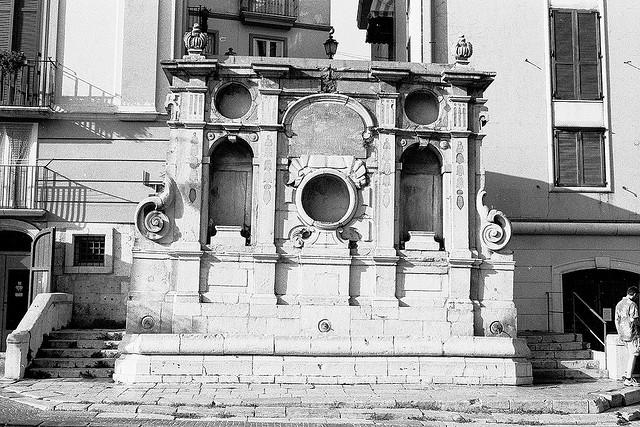 фонтан Авеллино (640x427, 135Kb)