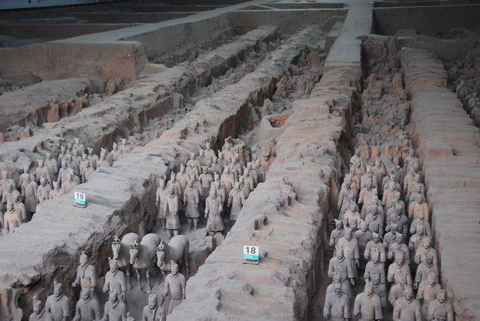 Терракотовая армия первого императора Китая в Сиане 57838