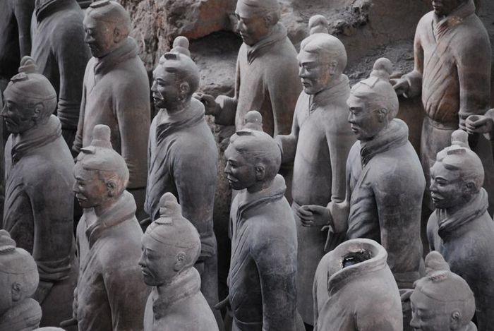 Терракотовая армия первого императора Китая в Сиане 18208