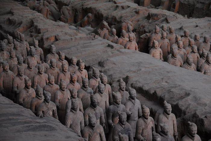 Терракотовая армия первого императора Китая в Сиане 18284