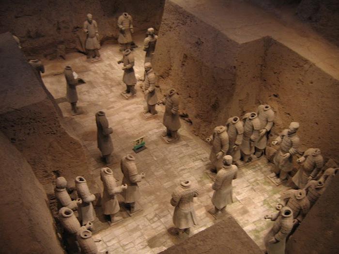 Терракотовая армия первого императора Китая в Сиане 41322