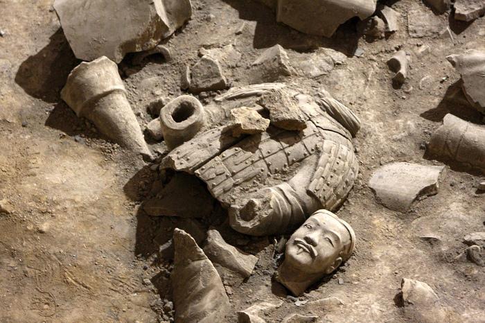 Терракотовая армия первого императора Китая в Сиане 70413