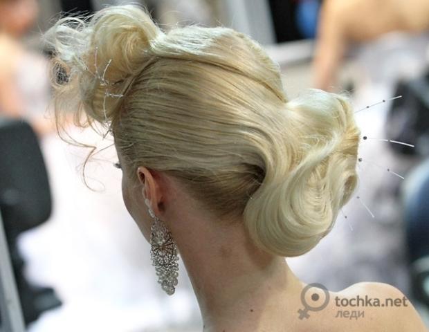 Лучшие свадебные прически 2011