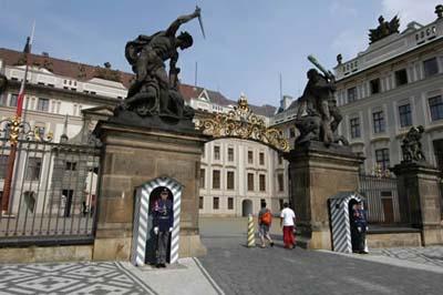 entrance_hrad (400x266, 42Kb)