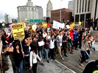 Протесты в Нью-Йорке 3 (321x240, 33Kb)
