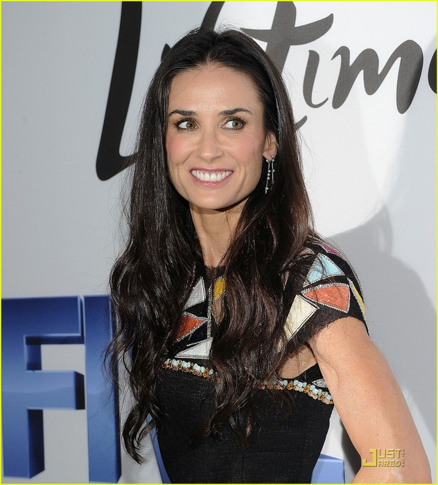 demi-moore-alicia-keys-five-screening-02 (632x700, 113Kb)