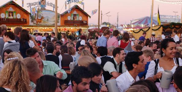 Oktoberfest+2011+Last+Day+u60d1saIrzql (594x301, 84Kb)
