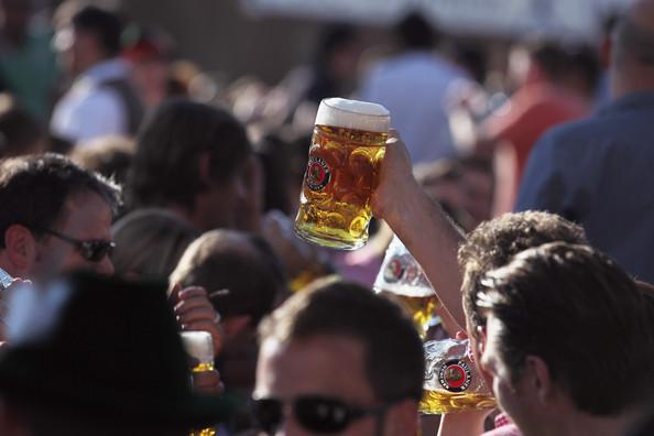 Oktoberfest+2011+Last+Day+GPrirbjZtJIl (594x396, 52Kb)