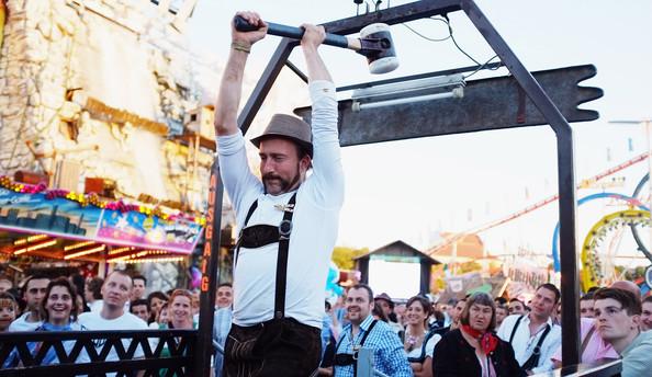 Oktoberfest+2011+Last+Day+7ShuHId3s1Nl (594x344, 91Kb)