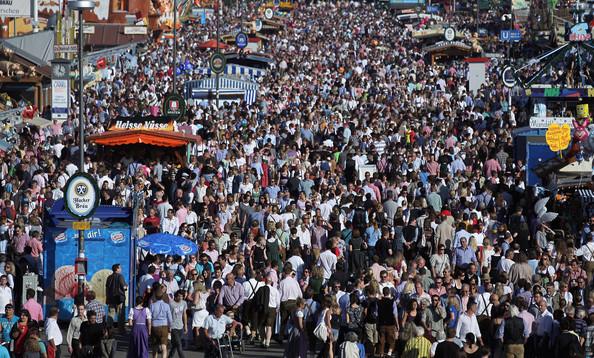 Oktoberfest+2011+Last+Day+2rcKdHEMvmSl (594x358, 159Kb)