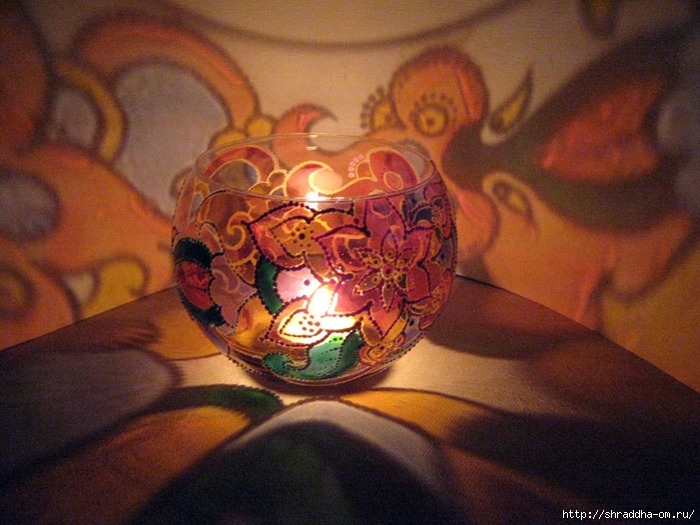 ваза подсвечник  Медовый месяц, автор Shraddha, витраж (0) (700x525, 256Kb)