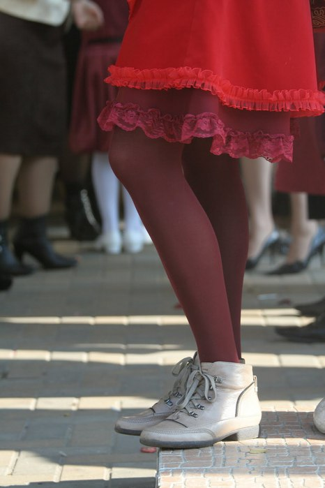 Shraddha, ножки в новых ботинках (466x700, 45Kb)