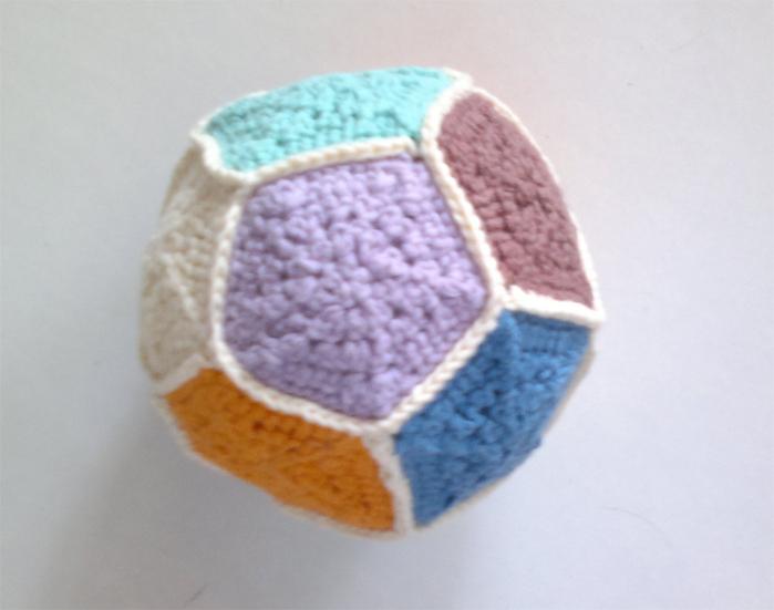мячик 2 copy (700x551, 225Kb)