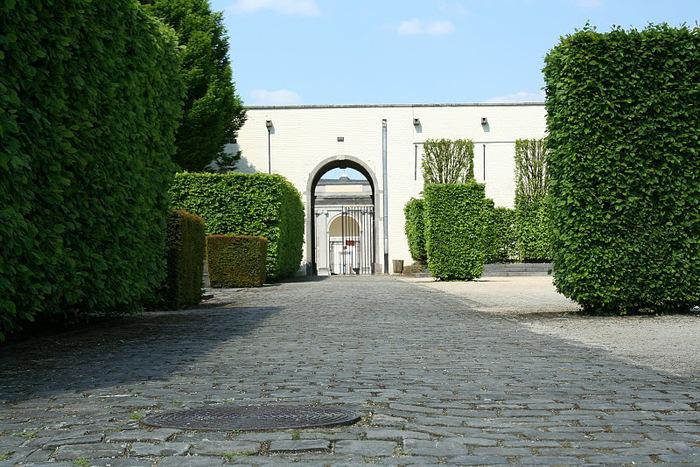 Сенефский дворец (Chateau de Seneffe) 64800