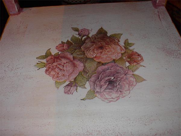 Следующий слой - она же, подкрашенная в нежно розовый цвет Дальше нет фотографий, но и так понятно... - 4/3576489_Stolik5_1_ (600x450, 232Kb)