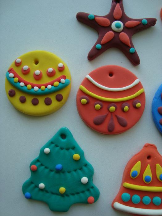 Новогодние игрушки из пластилина своими руками
