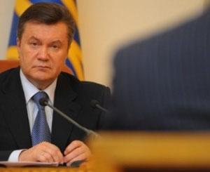 Янукович и Меркель (300x245, 25Kb)