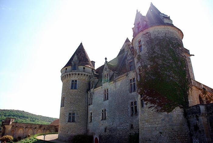 замок в Миланде (Chateau des Milandes). 54340