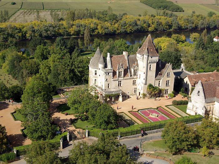 замок в Миланде (Chateau des Milandes). 70890