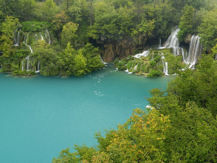 Plitvice Lakes National Park Croatia (700x525, 129Kb)