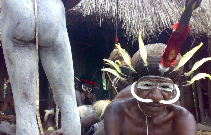 Долтна Балиэм . Папуасы (700x447, 80Kb)
