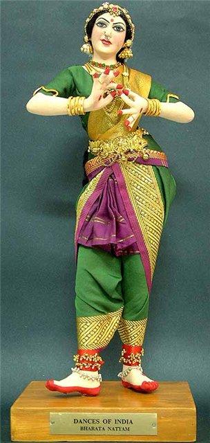 танцовщица в стиле БХАРАТАНАТЬЯМ  (4) (304x640, 50Kb)