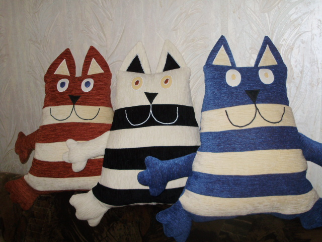 Кот-подушка своими руками из ткани 94
