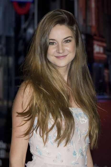 CU-Shailene Woodley-The Descendants premiere during BFI London Film Festival-01 (465x700, 51Kb)