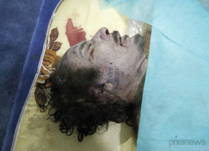 muammar-gaddafi-killed-dead-body-photos3-680x493 (680x493, 89Kb)