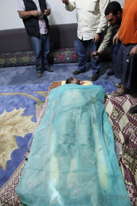 muammar-gaddafi-killed-dead-body-photos12-453x680 (453x680, 123Kb)
