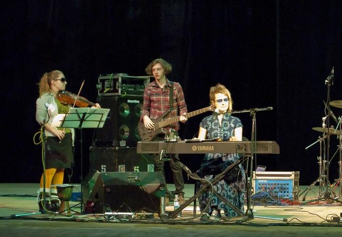 Flёur - Концерт в Харькове 21.10.2011/2061908_DSC_6571_resize (700x484, 201Kb)