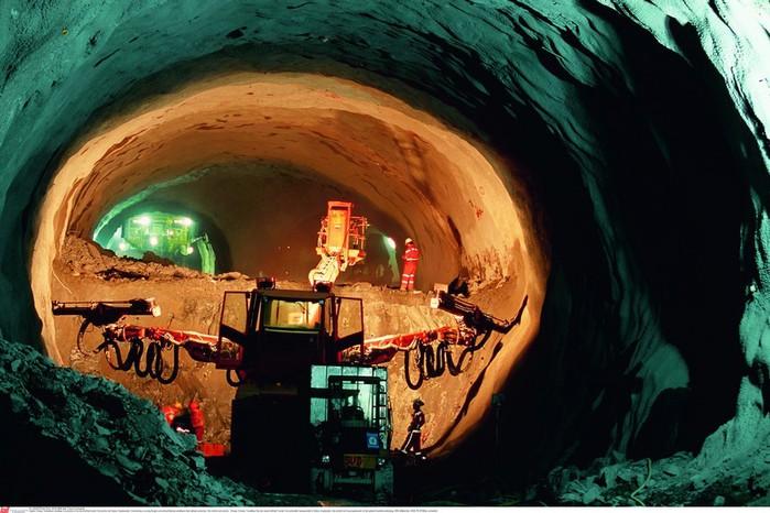 тоннель через альпы (700x466, 101Kb)