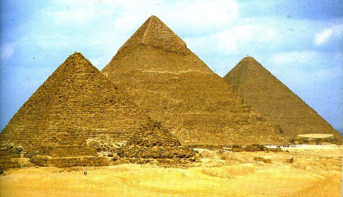 3279085_pyramidsofgiza_1_ (700x402, 78Kb)