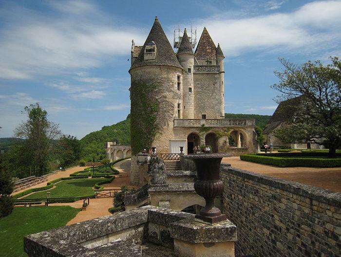 замок в Миланде (Chateau des Milandes). 22093