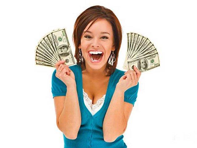 Средняя зарплата ярославцев увеличилась за год и теперь составляет около 18 000 рублей.
