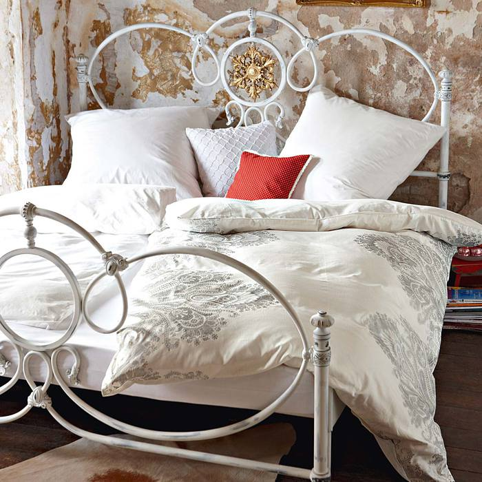 кровать (700x700, 88Kb)
