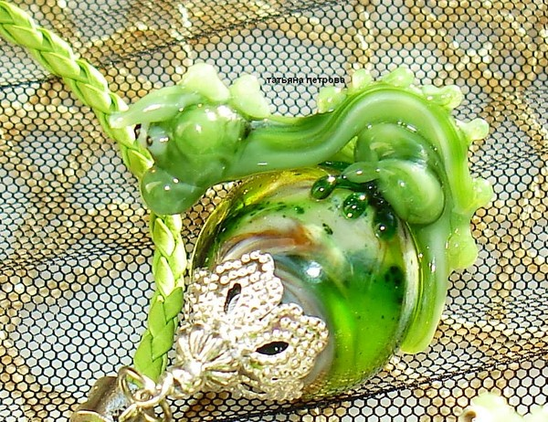 647. Комплект ДРАКОША ГОША ( символ нового 2012 года) - серьги + кулон, стекло, ручная работа на заказ (600x462, 146Kb)