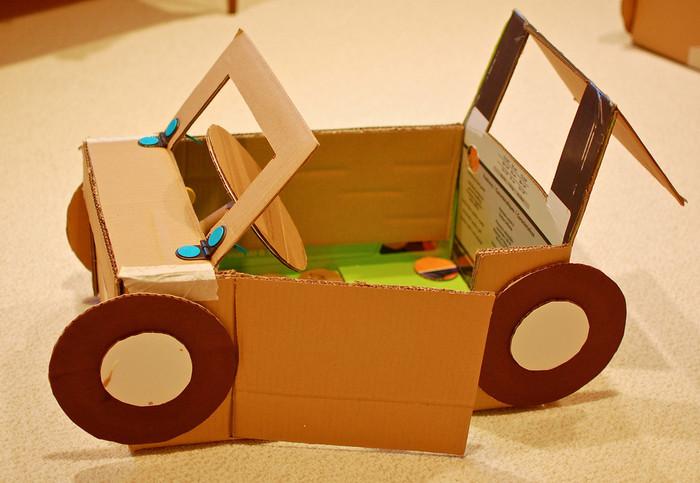 Поделка машинки из картона